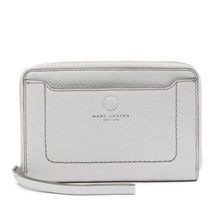 Marc Jacobs Zip Phone Leather Wristlet grey